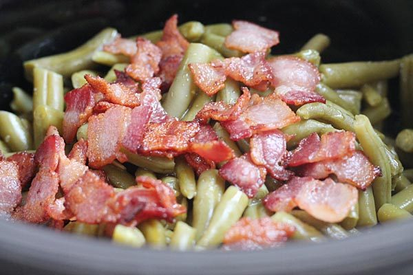 Canned Green Beans Cooked with Bacon